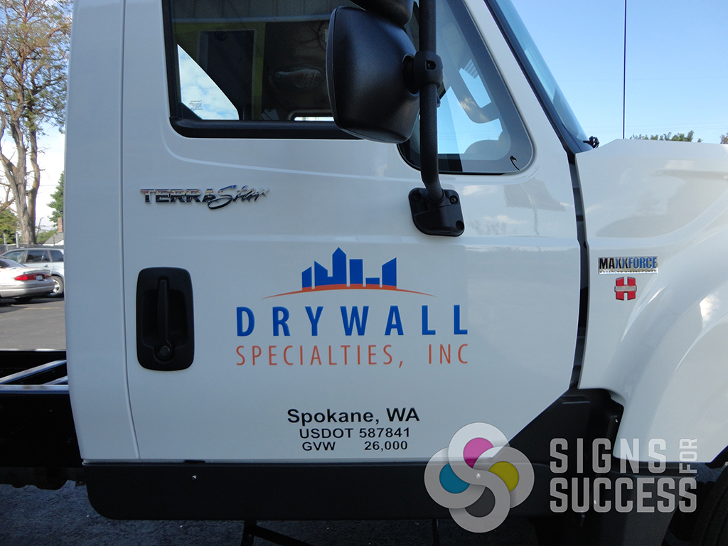 large truck lettering add usdot and logo to vehicles in spokane signs for success