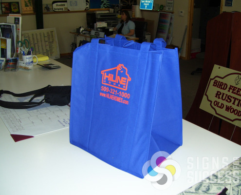 Reusable tote bags for Hiline done by Signs for Success in Spokane, Check out our webMall now for fast, reliable service, we actually call you back!