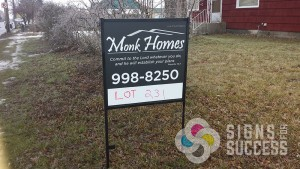 Quick real estate yard signs printed at Signs for Success, call for fast signs now in Spokane, real estate signs spokane valley